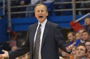 Report: Texas to release coach Rick Barnes after 17 years